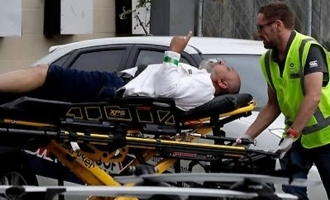 Gunman massacres 49 at two mosques in NZ