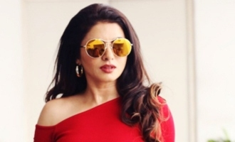 Look what Bhagyashree has to say about Prabhas!