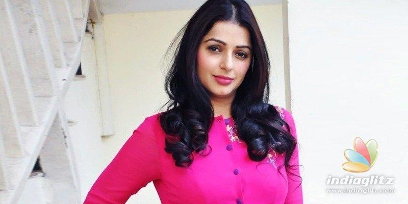 Pawan Kalyans heroine Bhumika gets emotional about SSRs suicide