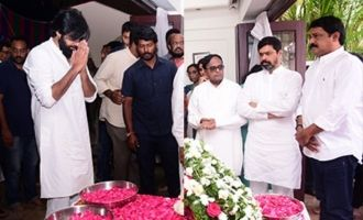 Celebs Pay Last Respects To Nandamuri Harikrishna (set 2)