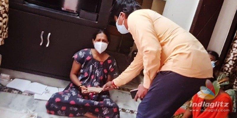 Chiranjeevi calls up TNRs wife, donates money