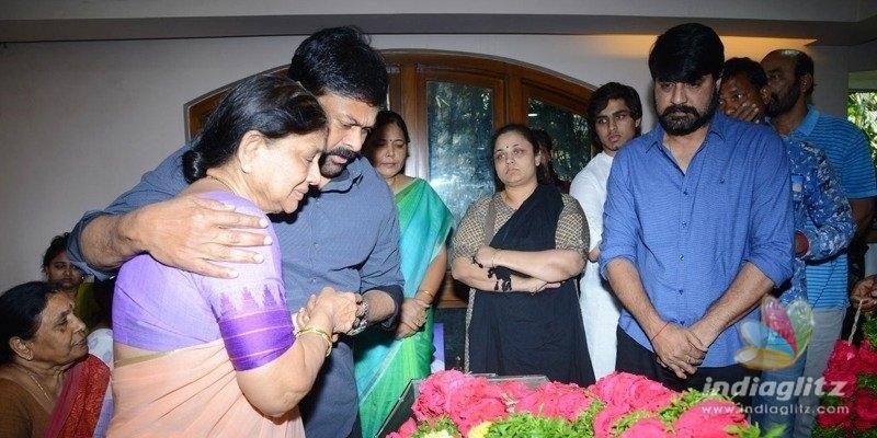 Megastar Chiranjeevi consoles Srikanth