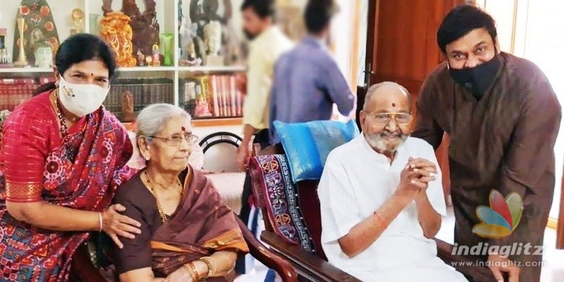 Pic Talk: Chiranjeevi calls on K Viswanath, gets nostalgic