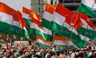 Congress uses Telangana rally pic to elevate Priyanka!