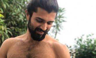 Fans go gaga over Vijay Deverakonda's shirtless pic with 'cute beast'