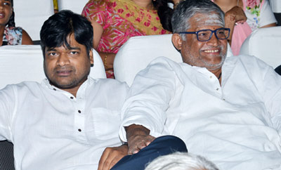 Harish Shankar and Tanikella Bharani Watches DJ at Sriramulu Theater