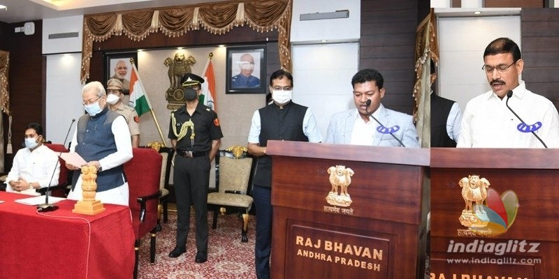 AP: New Ministers take oath in the presence of Jagan