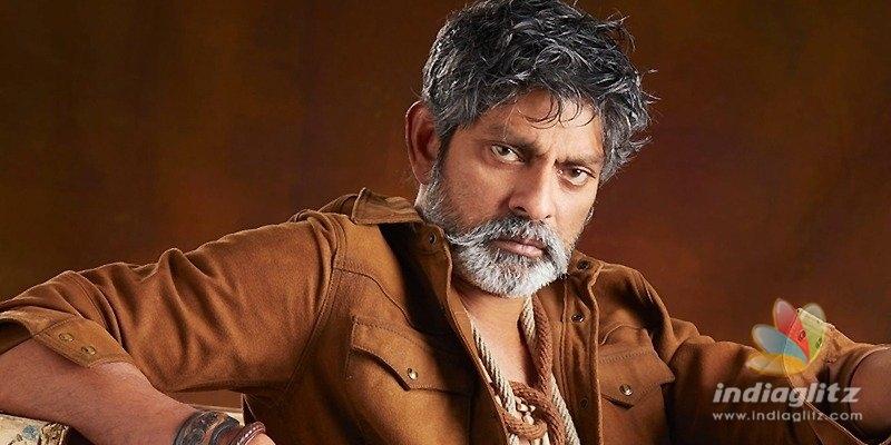 Jagapathi Babu replaced in Mahesh Babus movie