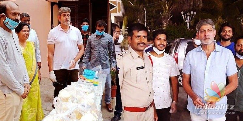 Jagapathi Babu helps 10,000 every day