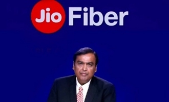 'Jio Fiber's First-Day-First-Show: Are producers, exhibitors worried?