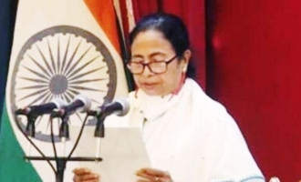 Mamata Banerjee takes oath as West Bengal Chief Minister and appeals for peace