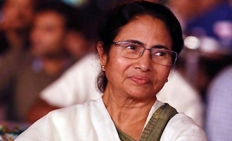 Bengal CM serving food to AP CM, others
