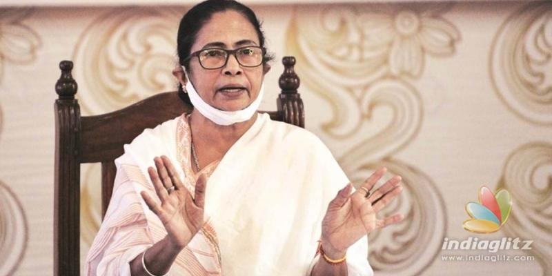 Ready to touch Modis feet: Mamata Banerjee