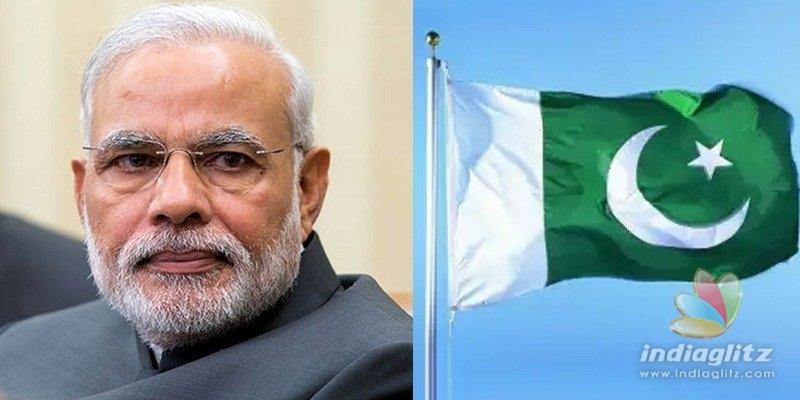 Pakistan hand in #GoBackModi trend