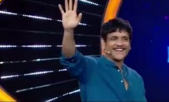 Nagarjuna storms into Bigg Boss house