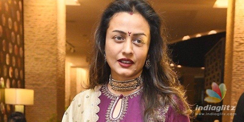 Namrata proves Mahesh & Vamshi are on good terms