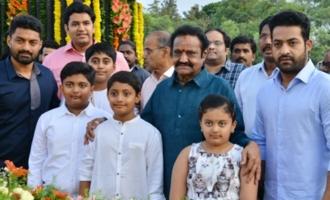 Nandamuri Family Pay Tribute to Sr NTR at NTR Ghat