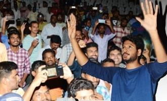 'Ninu Veedani Needanu Nene' Team Visits Sudarshan Theater