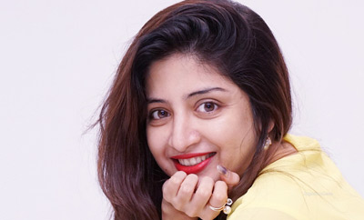 Poonam Kaur pooh-poohs 'sexual predator'