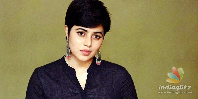 Mafia behind blackmail of Avunu actress Poorna & several models!