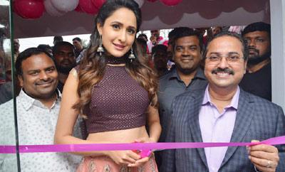 Pragya Jaiswal Launches B New Mobile Store at Gajuwaka