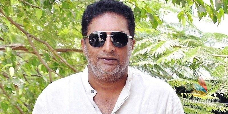 I am not anti-Hindu, stop fake news: Prakash Raj