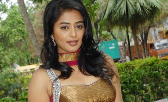 Priyamani to direct Sudeep
