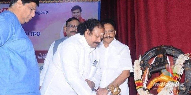త్యాగరాయ గానసభలో ప్రముఖరచయిత 'పురాణపండ శ్రీనివాస్' కు ఘన సత్కారం