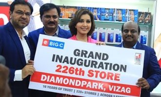 Raashi Khanna Launches Big C 226th Store @ Vizag