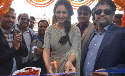 Rakul Preet Singh Launches BIG C Showroom @ Kurnool