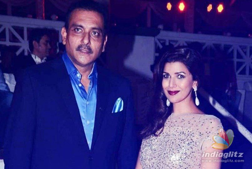 Ravi Shastri dating Bollywood actress?