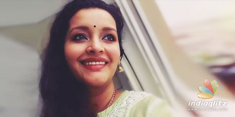 Renu Desai donates hair for a noble cause