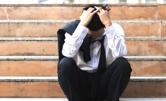 https://1847884116.rsc.cdn77.org/telugu/news/salaried-people-lost-jobs-1d0.jpg