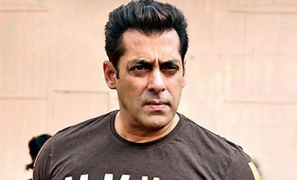 Salman Khan snatched my mobile: Complainant