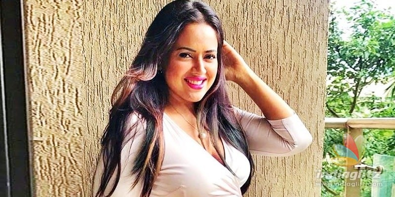 Sameera Reddy on how she was inappropriately asked to do a kissing scnee