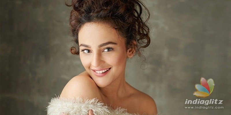 It feels surreal when I am in love: Seerat Kapoor