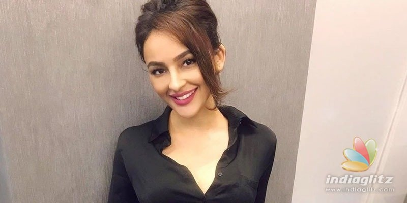 Is Seerat Kapoor set to bag Ravi Tejas movie?