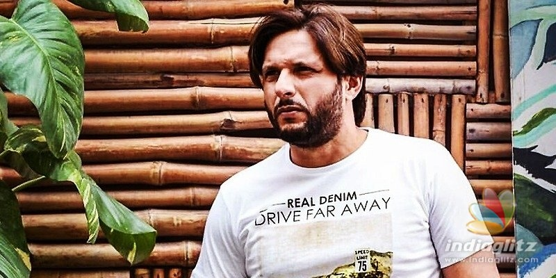 Shahid Afridi contracts Coronavirus; Fans pray for his recovery