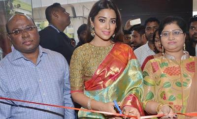 Shriya Saran Launches VRK Silks @ Secunderabad