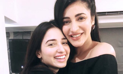 Did you know Tamannah & Shruti are such thick buddies?