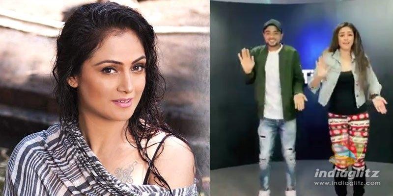 Simran imitating Allu Arjuns move goes viral