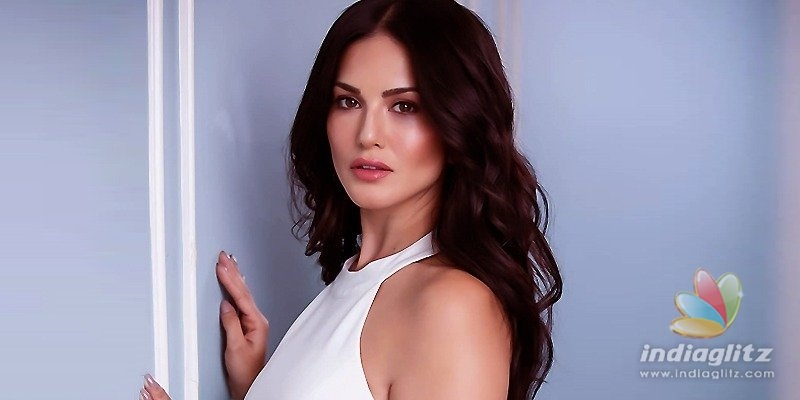 Sunny Leone asks about her votes!