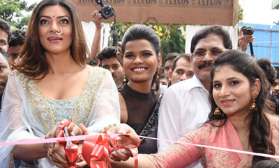 Sushmita Sen Launches Designer Sashi Vangapalli Boutique at Banjara Hills