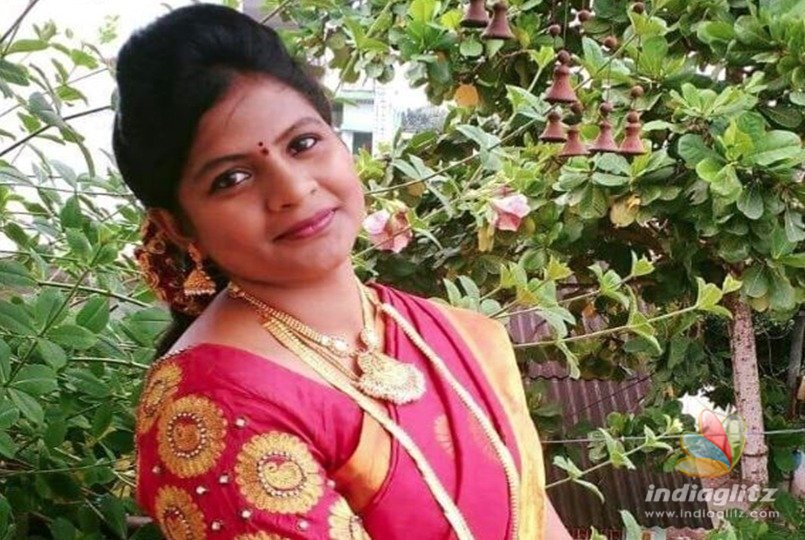 Former TV anchor commits suicide
