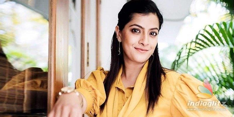 Doing Naandhi was like going back to school: Varalaxmi Sarathkumar