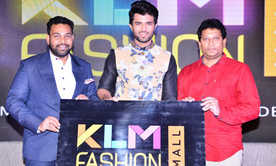 Vijay Devarakonda @ KLM Mall Logo Launch