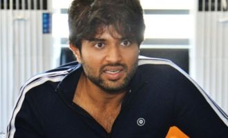 Vijay Deverakonda escapes train accident