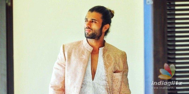 Vijay Deverakonda says Jai Balayya as Balakrishna visits Liger set