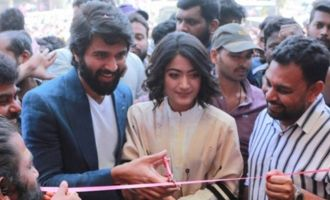 Vijay devarakonda , Rashmika Inaugurates KLM Fashion Mall at Chanda Nagar