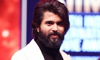 Senior actress calls Vijay Deverakonda a heartthrob